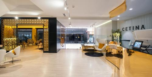 The lobby or reception area at Hotel Cetina Murcia