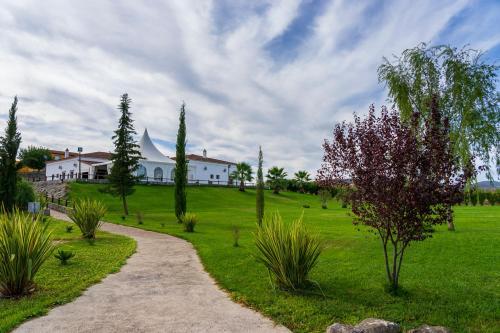 Сад в Hotel Arroyo la Plata by Bossh Hotels