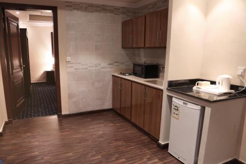 A kitchen or kitchenette at Wakan Al Salama