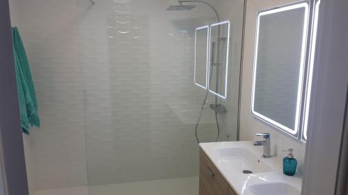 A bathroom at LA SALINA