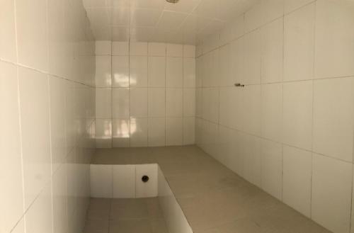 A bathroom at Praia Grande, Angra dos Reis