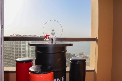 Drinks at California Hostel Dubai Beach