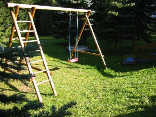 Ein Kinderspielbereich in der Unterkunft Ferienwohnung Peter Engelhardt