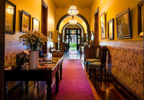 A restaurant or other place to eat at Vacy Hall Toowoomba's Grand Boutique Hotel Since 1873
