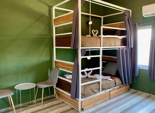 Litera o literas de una habitación en You Empire Hostel & Bar