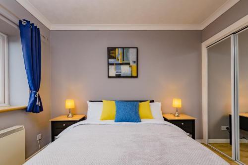 City Road Select Apartment