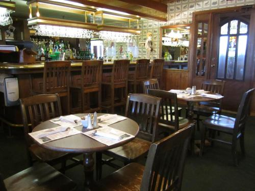 A restaurant or other place to eat at Riverview Lodge