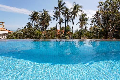 Hồ bơi trong/gần Takalau Residence & Resort