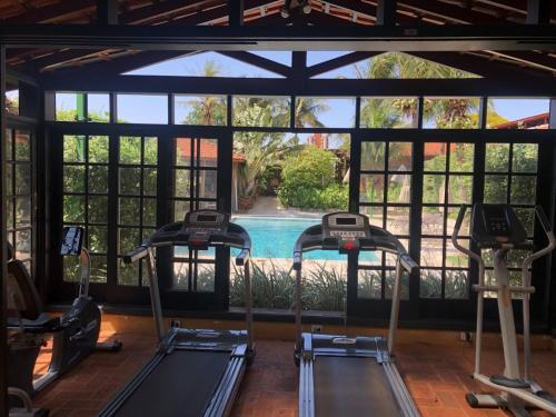 The fitness center and/or fitness facilities at Hotel Pousada Ourinhos