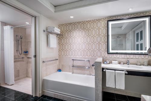 A bathroom at Sofitel Lafayette Square Washington DC