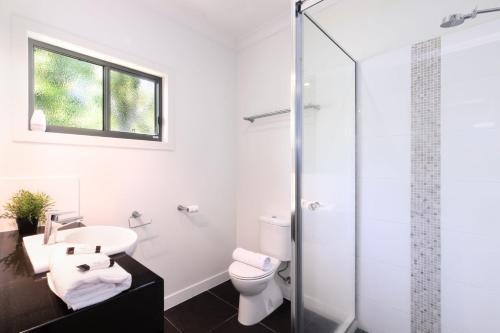 A bathroom at Casa Del Mar- House of the sea