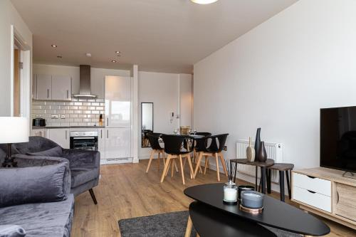 307 � High End 2 Bed City Apartment in Jewellery Quarter