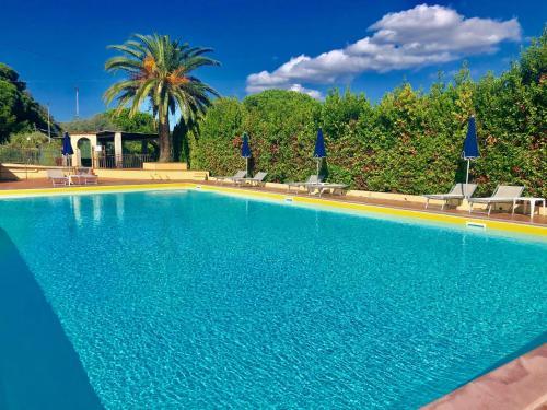 The swimming pool at or near Residence La Valdana