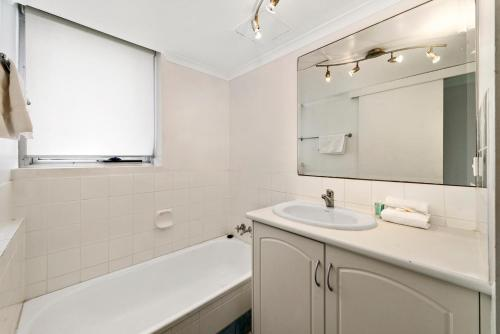 A bathroom at Sandpiper Broadbeach