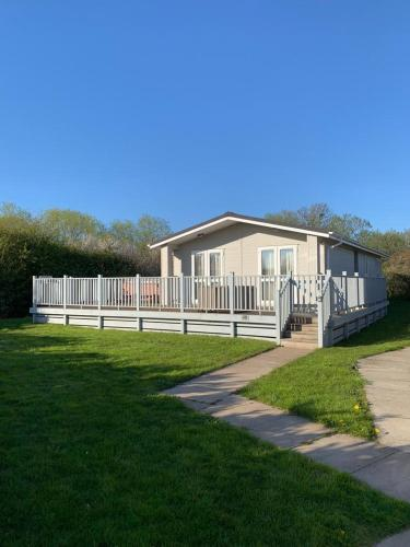 Lodge 29 With Hot tub and Sauna R and R Holidays