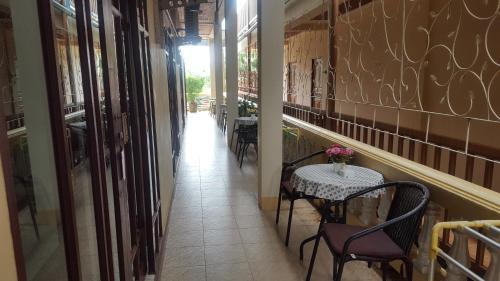 Ein Balkon oder eine Terrasse in der Unterkunft Khun Ying House