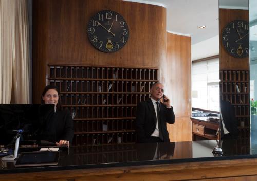Staff di Hotel Apogia Sirio Mestre