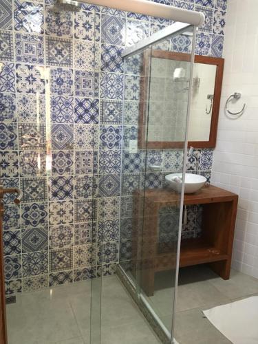 A bathroom at Pousada Albatroz