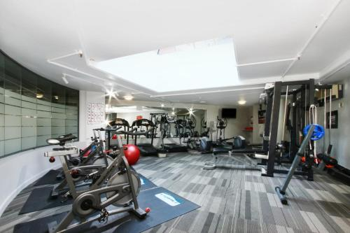 The fitness center and/or fitness facilities at Accommodate Canberra - Griffin Kingston Central Apartments