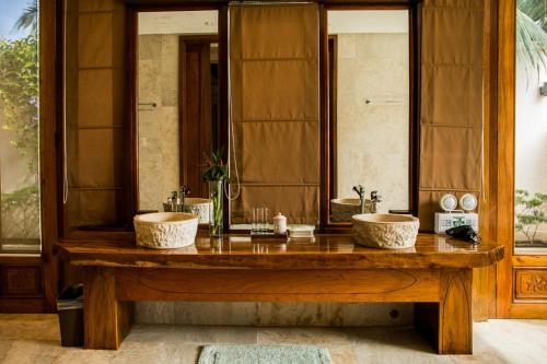 A bathroom at Letonezima Beach House