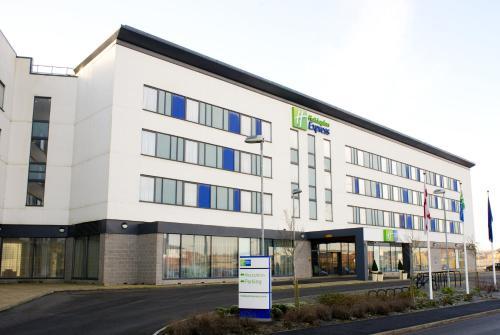 Holiday Inn Express Rotherham � North