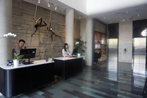 The lobby or reception area at Artotel Thamrin - Jakarta