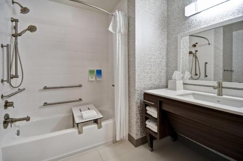 A bathroom at Home2 Suites By Hilton Jekyll Island