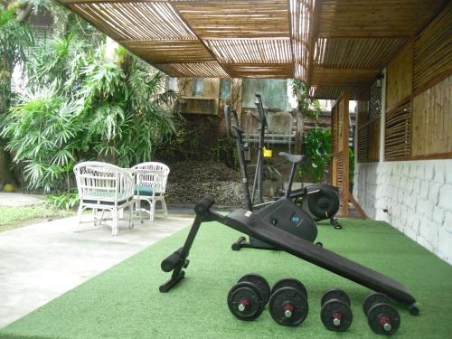 The fitness center and/or fitness facilities at Lantana Pattaya