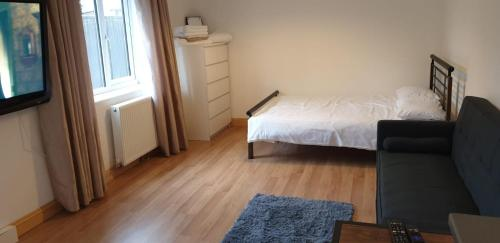 Silver Fox - Whole Private Apartment