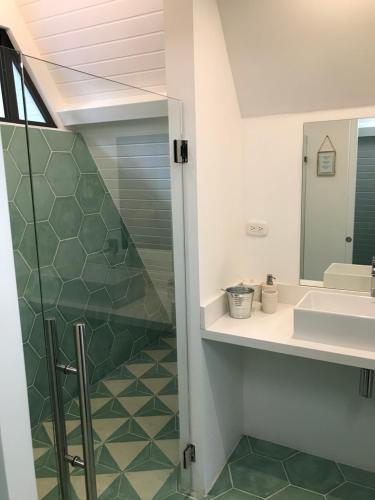 A bathroom at Les Voiles Blanches
