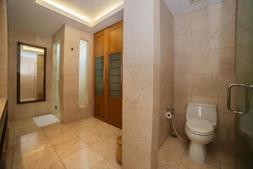 Ein Badezimmer in der Unterkunft The Ocean Villas