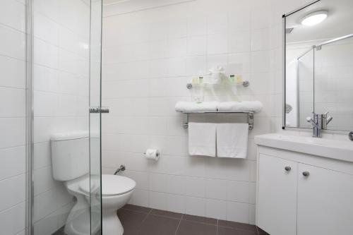 A bathroom at George Williams Hotel