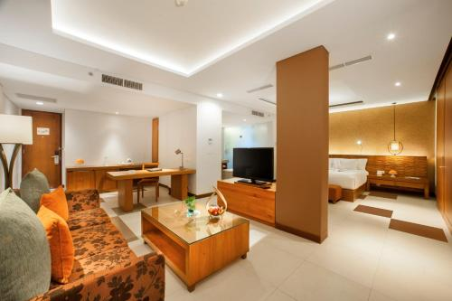 A television and/or entertainment centre at Sun Island Hotel & Spa Legian