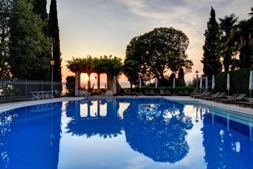 Het zwembad bij of vlak bij Villa Cortine Palace Hotel