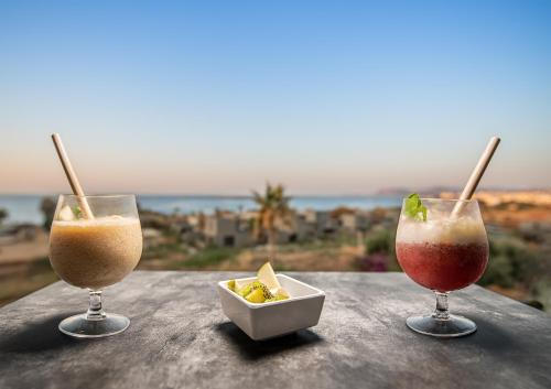 Drinks at Sea View Hotel & Apartments