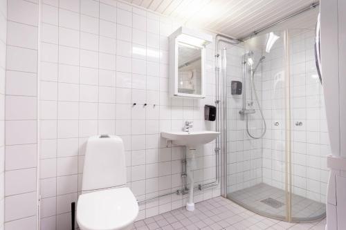 Ett badrum på ApartDirect Gamla Stan II