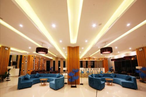 The lounge or bar area at Dragon Sea Hotel