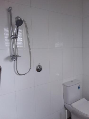 A bathroom at Cloisters of Kalangadoo