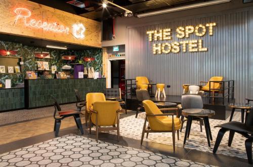 Лаундж или бар в The Spot Hostel