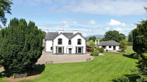 Ballynagashel House