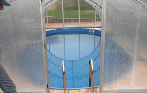 Bazén v ubytování Holiday home Zasada nebo v jeho okolí