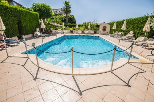 The swimming pool at or near Villa Daphne