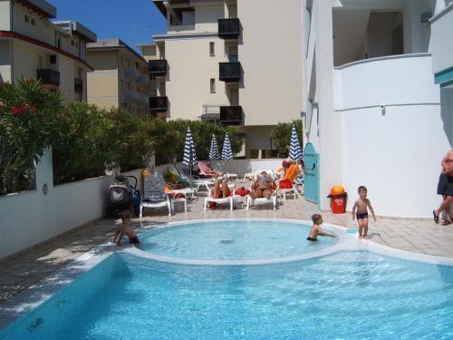 Bazén v ubytování Hotel Gran Venere Beach nebo v jeho okolí