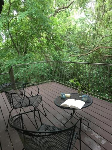 A balcony or terrace at The Stockade Bed and Breakfast