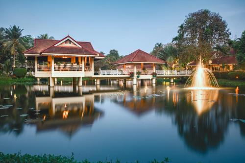 The swimming pool at or near Sofitel Angkor Phokeethra Golf & Spa Resort