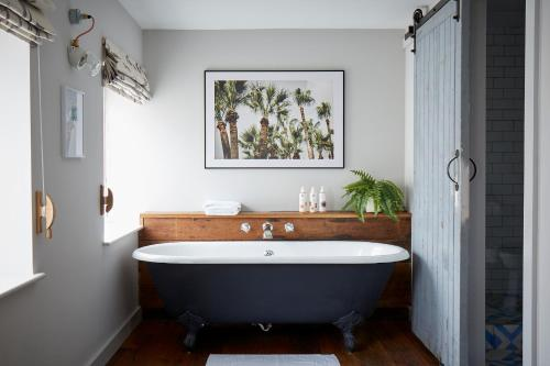 A bathroom at Artist Residence Cornwall