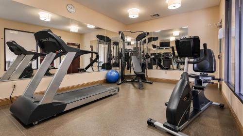 The fitness center and/or fitness facilities at Best Western Plaquemine Inn
