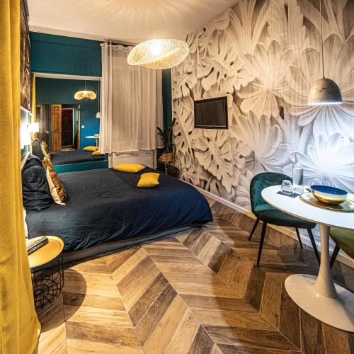Bed And Breakfast Le Hammam Du Panier Marseille France Booking Com