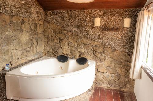 A bathroom at Pousada Le Siramat