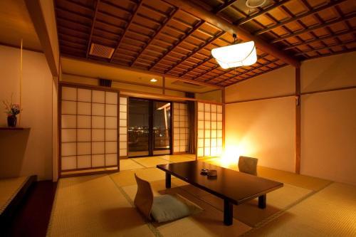 พื้นที่นั่งเล่นของ Takayama Kanko Hotel